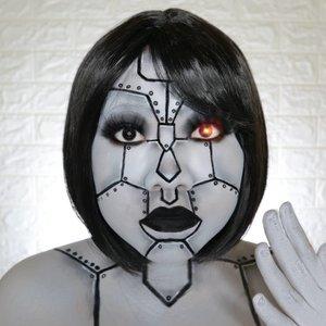 ROBOT🤖 HALLOWEEN CHALLENGE 15/31 🎃 #31daysofhalloween 🎃 . Wkwkwk gatau ga paham lagi ini kenapa bulet bgt robotnya 😂😂 macem baymax wkwkwkkwk Inspo : @marioncameleon . #wakeupandmakeup #halloween2019 #halloweenmakeup #halloween2k19 #halloweenmakeupchallenge #makeupoftheday #makeuphalloween #halloweenedition #motd #flovivi #clozetteID #cchannel #cchannelid