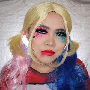HARLEY QUINN � HALLOWEEN CHALLENGE 27/31 🎃 #31daysofhalloween 🎃 . Hmmm kali ini postingan aku sekalian buat submission #BringOutTheBoo by @nyxcosmetics_indonesia yah �� #nyxcosmeticsid #nyxcosmetics Jadi Harley Quinn ini salah satu Villain yg aku suka dari dulu 😭 Oia karena budget aku pas pas an (kesian deh aqu wk) jadi baju nya aku gambar aja, ga sanggup beli ternyata kaos ori nya gitu mahal juga ya hmm 🤔 anak cosplay pada modal banget kalo dipikir2 hahaha Eh iya aku mau ajakin @sitaayu24 & @rockmansick untuk ikutan #BringOutTheBoo juga !! Yukkk �� . #wakeupandmakeup #halloween2019 #halloweenmakeup #halloween2k19 #halloweenmakeupchallenge #makeupoftheday #makeuphalloween #halloweenedition #motd #flovivi #clozetteID #cchannel #cchannelid