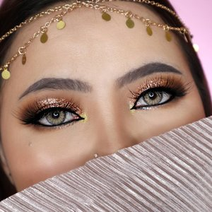Hahaha ya gini lah makeup arab di muka cina 🤣🤣 Entah kenapa karena ga biasa, jadinya hasilnya ga maksimal 😅 . Eyeshadow : @morphebrushes 15T Palette Eyebrow : @leveebeauty yg Ash Brown Softlens : @pinkrabbitlens Love Brown . . . . . . . #makeupoftheday #tutorialmakeup #Tutorialdandan #makeuptutorial #allmodernmakeup #slave2beauty #peachyqueenblog #tutorialmakeup #indobeautygram #makeupoftheday #beautybloggerindonesia #motd #popbelabeauty #flovivi #ClozetteID #cchannelid #cchannelbeautyid #undiscoveredmuas #worldwidemua #wakeupandmakeup #arabic #arabianmakeup #arabian  #cchannelmakeupid @tampilcantik @tips__kecantikan @tutorialmakeup_id @ragam_cantik @meriaswajah @syantiktutorial @ragam_kecantikan @zonacantikwanita @101_turorialmakeup @makeupsyantik @inspirasi_cantikmu @wowsyantik @elpeach_beauty @eliberry_beauty
