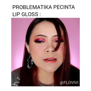 Wkwkwk problem nya ada 2 sebenernya, rambut nyangkut di bulmat sama lipgloss 😌🤣 . . . . . . . . . . #AWRECEH #dagelanlucu #dagelan #receh #recehid #videolucu #Tutorialdandan #makeup #motd #sadgirl #ClozetteID #videoviral #viral #tiktokers #tiktokindonesia