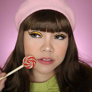 60's Vibe - Twiggy Makeup Inspired by @beatsbylizzie 💛 . Btw, ngabuburit ngapain aja guys ? Hehehe . . #slave2beauty #makeupoftheday #allmodernmakeup #aestheticmakeup #aesthetic #artmakeup #makeupart #beautybloggerindonesia #motd  #flovivi #ClozetteID #cchannelbeautyid #undiscoveredmuas #worldwidemua #60s #wakeupandmakeup #cchannelmakeupid #60smakeup