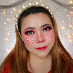 CANDY CANE FRECKLES CHRISTMAS CHALLENGE DAY 2/25 🎄 #25daysofchristmas 🎄 . Product yang dipakai : • Lip @byscosmetics_id Luxe Lip (Queen of the night) mix @vovmakeupid Argan PK02 • Eyeshadow @beautyglazed . #wakeupandmakeup #christmas2019 #christmasmakeup #christmas2k19 #adventcalendar #christmasmakeuplook #christmasmakeupchallenge #countdowntochristmas #makeupoftheday #makeupchristmas #christmasedition #motd #flovivi #clozetteID #cchannel #cchannelid #aestheticmakeup