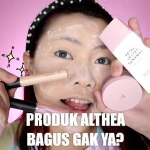 Nyobain produk produk nya @altheaofficial_id ( @altheakorea ). . Suka sama loose powder ama glitter nya sumpah kece bgt 😭 Doi juga ada skincare loh!!! . Ohh iya mau ngasih tau lagi nih, sekarang produk produk Althea udah ga perlu kalian pesen jauh jauh lg di korea, soalnya di Indonesia udah ada nih sekarang! Cus ke @lvsshop_id 💜 . . Produk yang dipake : • @altheaofficial_id Sunscreen, Loose Powder, Concealer, Eye glitter. • @mineralbotanica Dura Wear Foundation + Sponge • @colourpopcosmetics Exes & Oh's Palette • @marckscosmeticind Bedak • @missha.id Cotton Blush . • @selfbeauty_en Glam Up Highlighter • @vyvydstudio Lip Vinyl shade 13 New Wave 2 produk ini bisa kalian dapetin di CHARIS SHOP aku (link di Bio) @hicharis_official @charis_celeb . . . . . 🎥Camera Canon EOS M100 🎛️Edit with @vivavideoapp Pro 🎶 Juicy - Doja Cat . . . . . . . #makeupoftheday #tutorialmakeup #Tutorialdandan #makeuptutorial #tutorialmakeup #indobeautygram #makeupoftheday #beautybloggerindonesia #motd #popbelabeauty #flovivi #ClozetteID #cchannelid  #cchannelbeautyid #aestheticmakeup @tampilcantik @tips__kecantikan @tutorialmakeup_id @ragam_cantik @meriaswajah @syantiktutorial @ragam_kecantikan @zonacantikwanita