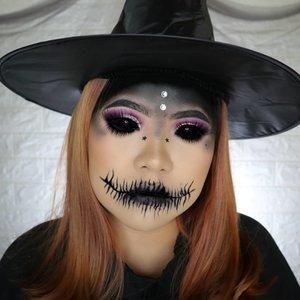 WITCH 🧙🏻♀️ HALLOWEEN CHALLENGE 10/31 🎃 #31daysofhalloween 🎃 . Malam Jumat ini, mbah mau nyantet netijen2 yg suka ngomongin mbah di belakang xixixixixi . Matanya di edit yaaa ga sanggup beli soplen scelera mahal cyin 🤭 . #wakeupandmakeup #halloween2019 #halloweenmakeup #halloween2k19 #halloweenmakeupchallenge #makeupoftheday #makeuphalloween #halloweenedition #motd #flovivi #clozetteID #cchannel #cchannelid