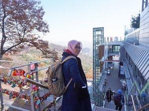 🔓🔑 🧕🏻🧣🧥👟🎒👓🧤🧦🗾Belum bisa move on dari travelling ke Korea bulan November tahun lalu 🤭 Pengen ke Korea lagiii... please ada yang kasih gratisaan biar bisa ke sana lagi tahun ini. Apa lagi ke acara pyeongchang 2018 😍 mau bangeeeet #necgoestokorea #clozetteid
