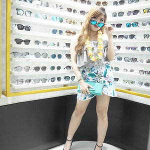 Mandatory spot at @sunglassplanet ❤️ Congratulations for the opening store at Tunjungan Plaza 6 🙆🏻🎉 - #sunglassplanet #sungkassplanetTP6 #grandopening #sunglassplanetsexytropical #ClozetteID #ootd