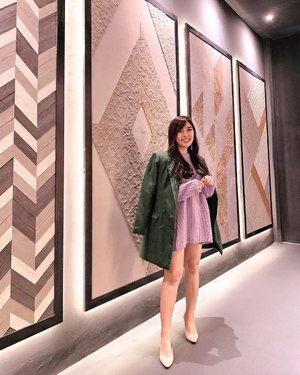 If you can't play it safe, block it ✨. Lilac & green olive combination is 💕. . Blazer dress : @pmothelabel . . . #stylingideas #springoutfit #knitwear #ootd #fashion #ClozetteID