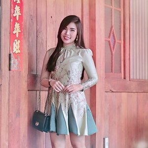 Plum blossom ( Meihua ) symbolizes as perseverance and hope, purity, transitoriness of life 🌸. With sage green as the new neutral on the rise. What if these two elements combined in a dress ? 😊....#ootd #fashion #styleideas #ClozetteID