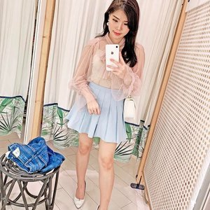 Reconstructing my everyday style 2 years ago, wasn't that bad 😅. - - #mirrorselfie #ootd #ClozetteID