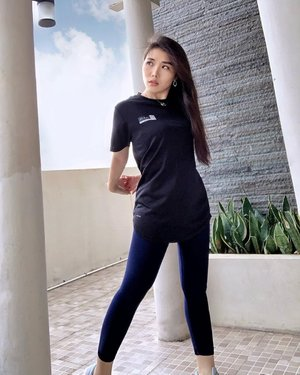 Stay fit, stay healthy, don't skip workout �.Wearing one of the comfiest athleisure top from @out.fit_style . #athleisurewear #ootd #ClozetteID