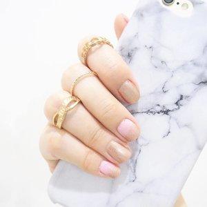 New year nails 💅🏻✨ #happynewyear2017 #ClozetteID