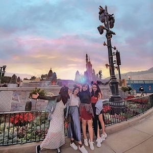 I miss us when we get crazy together like no one's watching 😂. Won't replace them with anything else but... . . . . . Disney 😝. . . . Joking, you know how much I love you girls ✌️. #edisikangen #friendship #sisterhood #Traveling #ClozetteID #Disneyland