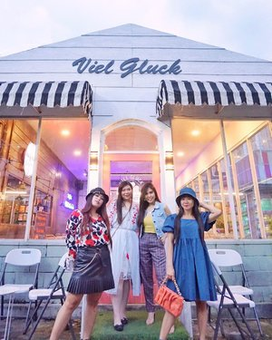 Different styles, different characters, but those make us unite 💕.  📍: @vielgluck_coffee (cereal cafe) , Sidoarjo.  #girlssupportinggirls #ClozetteID