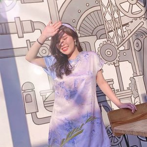 Golden hour at its best (in hometown) ✨, wearing @pmothelabel 's tie dye shift dress = makan banyak puas 😂. . . #outfitideas #summerdress #tiedye #ootd #fashion #collaboratewithcflo #ClozetteID