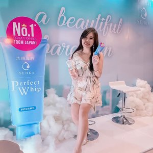 We had so much fun playing with foam at @senkaindonesia 's Beautiful Bare Skin Event at @mokka_id @pakuwonmallsby 😍, plus special appearance of Senka Indonesia's Brand Ambassador, @yukikt 😄...Senka's facial foam is very good for any skin type, literally ( I've been using this product for around a year and still loving it! ). It cleanse so well and doesn't dry skin at all. No wonder it has become No.1 product in Japan for 10 years! ..Oh anyway, @senkaindonesia also has lot products that you should try :💧Senka Perfect Whip - Cleanse Care.💧Perfect Whip Fresh - Anti Oily.💧Perfect Whip White - Brightening.💧Perfect White Clay - Deep Cleanse (slight exfoliating).💧All Clear Water ( White & Fresh ) - for light everyday makeup.💧All Clear Oil - for heavy long wear, waterproof makeup. 💧Sheet Mask (Perfect Aqua Rich & Perfect Aqua White Mask)...Have you tried each of those ? Which one is your favorite ? 😍..#SenkaRoadShowSurabaya#BeautifulBareSkin#SuppinWithin #ClozetteID
