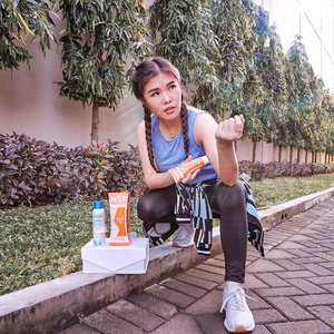 Though I #StayAtHome all day & night, I always make time to work out regularly, especially cardio. But, I also find it hard to burn all this silly silly fat.  Few days ago I was introduced to this @clinelleid Hot Body Cream that contains Organic Brown Algae which help to reduce body fat! It supported with Built-In Stainless Steel and SenseHot Thermal for maximum result too! . I've been using it daily before work out then followed with Clinelle's PureSwiss Thermal Spring Water after work out as refreshment. Oh, it can also be used anytime anywhere from head to toe 😉. . Well, I can't wait to show you the progress result next following weeks ! . . #clinelleid #beautyreview #workoutmotivation #healthylifestyle #collaboratewithcflo #clozetteid #clinelleindonesia #clinellehotbodyshapercream