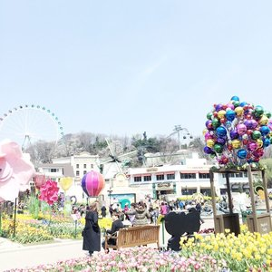 A place where you can forget all your problems and just turn into a happy kid 😃.-#ThemePark #AmusementPark #Everland #Spring #봄 #ClozetteID