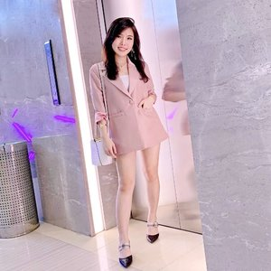 Best choice when you have nothing to wear but still want to look stunning : BLAZER. . . It's blazer season 😆. This versatile, fine tailoring pink boxy blazer from @pmothelabel 💕. (I wore shorts anyway 😄🙏) . . . #ootd #fashion #boxyblazer #stylingideas #styleinspo #ClozetteID