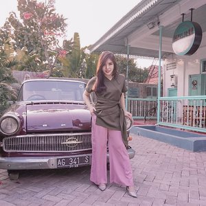 One fine day, playing with color and silhouette - surrounded by vintage stuffs at @paviljoen_surabaya 🥰. . . Top : @esteem_co . Pants : @pmothelabel . . . #ootd #fashion #styleideas #collaboratewithcflo #styleinspo #ClozetteID
