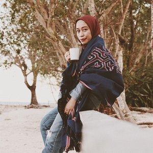 ⭐️Ngopi di cafe udah mainstream, mending ngopi di hutan bakau aja yuu. Ngopi bareng akyuuuu⭐️Tapi kamu bawa cangkir sendiri yaa ...................#clozetteid #ootd #hijab #hijabfashion #ootdfashion #hijabtravellers #hijabtraveling #takalar #visittakalar #makassar #visitmakassar #instamakassar #visitsulsel #wonderfulindonesia #jalanjalan #jalanjalanmakassar #tenun #tenuntoraja #coffee #coffeeaddict #coffeelover #pocket_world #jelajahindonesia #hijaberindonesia #ootdindo #ootdindonesia #canonphotography #vsco #instagramer
