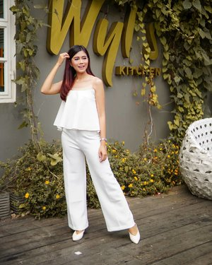 Make it simple, but significant. . Love my comfy culotte pants from @monomolly.id . 📸@dessydiniyanti . #JoinTheTrend #AnazMonomolly #ClozetteID #style #lifestyle #ootd #Fashion