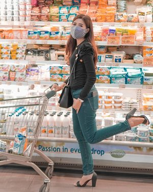 #groceryshopping . You cannot protect yourself from sadness without protecting yourself from happiness. . 📸@dennyirawanphotos . . #ootd #clozetteid #lifestyle #style #quotesoftheday