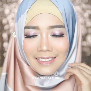 This is sweet glowing makeup tutorial for Lebaran 🙏🏼.I'm wearing:___FACEa. @embryolisse lait Creme Concentrate b. @chanelofficial Perfection Lumiere Long Wear Flawless Fluid Makeup c. @lagirlcosmetics pro conceal toast @tartecosmetics concealerd. @stilacosmetics convertible colore. @pondsindonesia #magicbbpowder f. @ctilburymakeup airbrush flawless finish__BROWSa. @anastasiabeverlyhills dipbrow pomade in chocolate__EYESa. @nyxcosmetics base eyeshadow b. @toofaced chocolate bar palette shade marzipan & cherry cordial@eclatpressedglitter c. @gabycosmee black eyeliner stay all day__LIPSa. @beautyboxind #cathysharonxurbanlips shade Waru__.@x2softlens Sanso color in shadow.@indobeautygram @indovidgram @bunnyneedsmakeup @brian_champagne @wakeupandmakeup @muasfeaturing @featuremuas @flawlesssdolls @makeupgalss @tampilcantik @undiscovered_muas @underratedmuas @abhjunkiessss @hypnaughty.makeup @bebeautymood @beautychannel.id #indobeautygram #ivgbeauty #clozetteid #browtutorial #complexionmakeup #concealer #wakeupandmakeup #fdbeauty #muasfeaturing #featuresmuas #undiscovered_muas #flawlessdolls #hypnaughtymakeup #underratedmuas #makeupclips #makeupvideo #makeuptutorial #makeupartist #allmodernmakeup #BeautyBloggerIndonesia #beautychannelid #bloggerceria #indonesianfemaleblogger #lagirlindonesia #tampilcantik  #PONDSPowderPower #PONDSBBPowder #ClozetteIDxPONDSBB