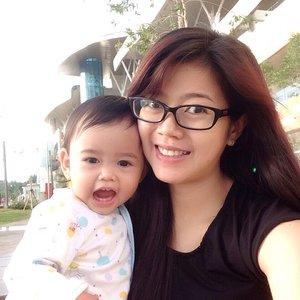 Sunday morning with our bare face, Muka belom mandi abis jalan2 pagi2 ngelilingin mall with my baby safa & baby in my tummy :) #selfie #baby #sundaymorning #clozetteid #clozettegirl #potd #sunday #beauty