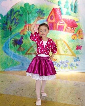 Wherever you go, no matter the weather, always bring your own sunshine🌅.#dance #kids #safaira #safairavi #ClozetteID #lifestyle #style #namarinadanceacademy #namarinadibawahlangitbiru