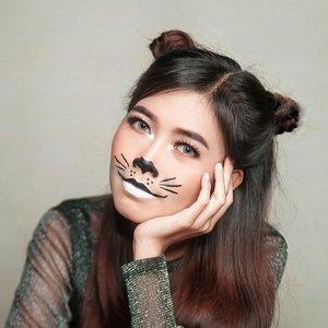 Meow... 🐈 . Hope you like my cute cat halloween makeup🎃yang dibuat seperti tahu bulat digoreng dadakan 😂 karena bingung mau makeup halloween apa semalam🙈 . . Psst... Kalo ada kucing ini jangan diusir ya😂 . #halloween #ClozetteID #makeup #halloween2020
