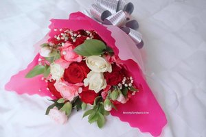 Mama was my greatest teacher, a teacher of compassion, love and fearlessness. If love is sweet as a flower, then my mother is that sweet flower of love.  Stevie Wonder Happy Mothers Day #quotes #quoteoftheday #mothersday #flowers #pink #pinkflowers #potd #picoftheday #clozetteid #mothers #gift #22Desember2015 #happymothersday #hariibu #selamathariibu