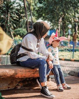 """Our last trip before #socialdisatancing  Sabar, tetap bertahan #dirumahaja ❤️ . """"Dan Kami pasti akan menguji kamu dengan sedikit ketakutan, kelaparan, kekurangan harta, jiwa, dan buah-buahan. Dan sampaikanlah kabar gembira kepada orang-orang yang sabar."""" . . #cicidesricom #ibupastibisa #clozetteid #parentingblogger #joyfulparenting #tgif"""