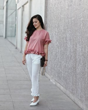 Going pink in @shopataleen top 💕 #aleenlook #tiffstylediaries