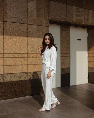 Clean white 🕊 in @getmarv white top #getmarv #feelmarv #tiffstylediaries | 📸: @feliciamarcellina