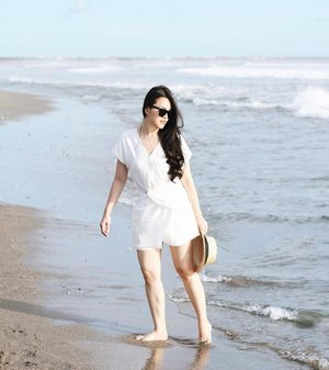 Beach all day, wearing white jumpsuit by @cloth_inc #iwearclothinc #tiffstylediaries #tifftraveldiaries