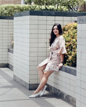 Matching my pastel outfit with @vncindonesia white heels. Love this basic white heels that goes pretty well with most of my outfit. Also the height is just right to make me comfortable wearing it all day long! 💖 #vncindonesia #tiffstylediaries