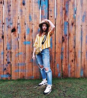 Coachella ready 😛✌�, just kidding��maybe one day 😊✨ ✨✨✨✨✨✨✨✨✨✨✨✨✨✨✨✨✨ #VeronycaTravelDiaries #VeronycaStyleDiaries • •@lookbookindonesia @ootdindo • • •📸 : @adrianxie • • • • • • • #clozetteID #fashionblogger #potd #ootd #airportootd #medanbeautygram #l4l #lookbookindonesia #ootdindo #followforfollow #blogger #likeforlike #vsco #vscocam #wiwt #outfitinspo #ootdmagazine #indonesia #photography #fblogger #fashionstyle #indofashionpeople #streetstyle #styleblogger #ggrepstyle #streetstyle #ggrep #nikeairmax #monkistyle