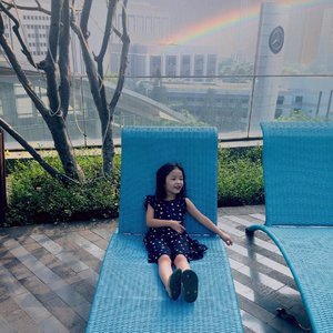 Somewhere over the rainbow bluebirds flybirds fly over the rainbow why then oh why can't i? 🌈💙🌈..#chilax #raneiratsuraya #kidsgram #instakids #kidsofinstagram #instatoddler #toddleryear #toddlergram #toddlerfun #sistertobe #firstlove #firstborn #sistertobesoon #kesayangan #clozetteid #toddlerrules #toddlertime #toddlergirl #toddlerjustwannahavefun #toddlerinfashion #kidsstylezz #kidstagram #toddlerstyle