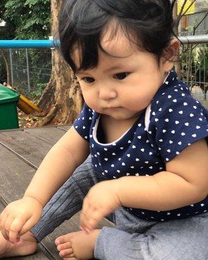 Shasha yg pernah gendut.... ♥️Mari semangat nambah BB lagi ya dek 😘Makasih Ibu2 sesesquad yg sll sharing & bahas BB di wag, ngga usah di tag/mention yaaa hahhaha you know who you are lah 😚😚pokok'e yg pada mau beli nutridrink tea laaah 😂😂 #kesayangan  #mysecondborn #babygirl #babysister #instababy #babyofinstagram #babygirlstyle #babylove #loveofmylife #clozetteid #raneyshailiana #secondlove #secondborn #babygirl #littlesister #babygram