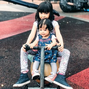 Always remember to take care each other anytime, anywhere love...   Mamih & Abah love you both so much ♥️  #sibling #instasibling #sister #sistersquad #instasister #loveofmylife #kesayangan #clozetteid #siblinggoals #bigsister #littlesister #instakids #sisterforever #daughter #kidsofinstagram