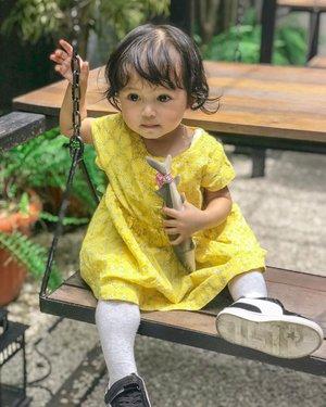 My baby bala bala 💛Itu ikan buat @saga.paw yg kl ktmu pgn Shasha uyel2 sampe manyun 😌😽😽#mysecondborn #babygirl #babysister #instababy #babyofinstagram #babygirlstyle #babyfashion #babylove #kesayangan #loveofmylife #clozetteid #raneyshailiana #secondlove #secondborn #babygirl #littlesister #babygram