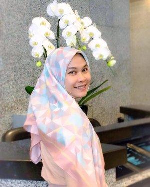The joy of dressing is an art ~ John Galliano 🌸  square scarf by @scoopandcone 🍦🍭 . #clozetteid #hijabootd #scoopancone #quoteoftheday #hijabfashion #pastelhijab #officestyle #officelook #hijabforofficestyle #pastelootd #hijabdaily #squarehijab
