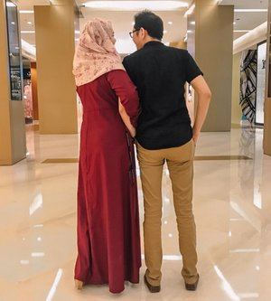 Ibadah Terlama ♥️⁣⁣⁣⁣Yaitu berumah tangga... ⁣⁣Jadi, carilah pasangan yang selalu siap untuk belajar bersama, dan saling support dalam urusan dunia juga akhirat ⁣⁣⁣⁣Hope you will always hold my hand until jannah Abah @firsan_nova ♥️⁣⁣⁣⁣📸 by Teteh Raya (yg tumben mau motoin♥️♥️⁣⁣)👗 by @littlejasmine_id ⁣⁣#kesayangan⁣⁣ #loveofmylife #marriagelife #clozetteid #untiljannah