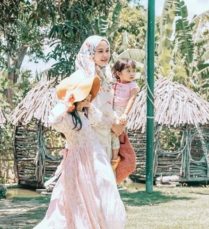 """The Prophet (S.A.W.W) was asked """"Which (type of) woman is the best?"""" He replied """"When you look her, you feel happiness.""""    Being mom of two daughters is challenging, but I wont change it for anything else ♥️  📷 @alunapicture  .  #kesayangan #jumaahbarokah #motherhood #mother #motherdaughter #instamom #instamotherhood #loveofmylife #clozetteid #parenthood #momoftwo #momproblems #momlife"""
