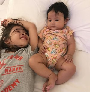Night night sweet dream, sleep tightLove you both to the infinity & beyond 💕..#sister #sistersquad #instasister #firstborn #secondborn #raneiratsuraya #raneyshailiana #sisterlove #siatergram #clozetteid #kesayangan #loveofmylife #momoftwo #mylaf #myeverything #princesskudaponyrainbow #princessshashasky #momlyfe #myworld