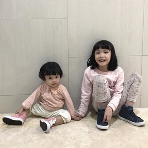 Hey sister⁣ 🎀 ⁣ I love you more than you'll ever know⁣ 💕 ⁣ #sistersquad #sister #sisterhood #sisterlove #instasister #sistergram #raneyshailiana #raneiratsuraya #littlesister #bigsister #sibling #instasibling #siblinglove #kesayangan #loveofmylife #clozetteid #daughter #siblingphotography