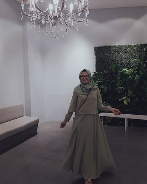 Lets Dance The Night Away 💃...#clozette #clozettehijab #clozetteid #ootd #dressmuslimah #chandelier