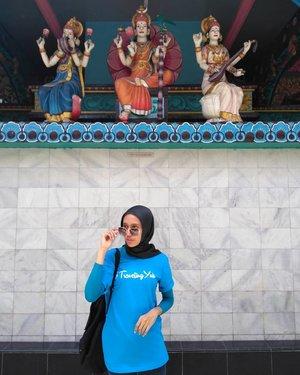 Sri Mariaman TempleBerasa lagi di india Ketemu Sharukh Khan..#OneDayTripMedan#travelingyuk #travelingyukcommunity@travelingyukcom..#CreateMoments#InspiringPlaces#akujalanjalanloh#travelrack#ayodolan#folkindonesia#exploreindonesia#keluarbentar#indotravellers#INDOTRAVELLERS#indonesiantraveler_#parapejalan#mainsebentar#kerengan#indonesiajuara#indonesiapradise#wonderful_location#indonesia_photography#thisisindonesian#wonderful_places#bestvacations#hijabertravelling#instahijaber#natgeotravell#clozetteid