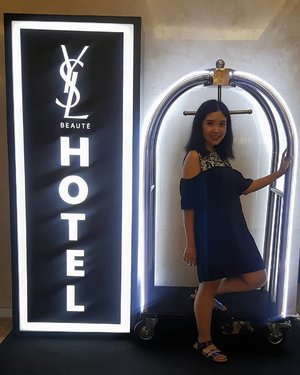 Yesterday I checked in on #yslbeautyhotel #yslbeautyhotelid  Have you joined yet? Today is the last day! Save your spot! . . psstt.... this is hidden photo spot that was not crowded... Located at 1st floor at Plaza Indonesia . . #yslbeautyid #yslbeauty #motd #ootd #fabolous #tampilcantik #beauty #blogger #instablog #beautybloggerindonesia #bloggirlsid #indoblogger #Clozetteid