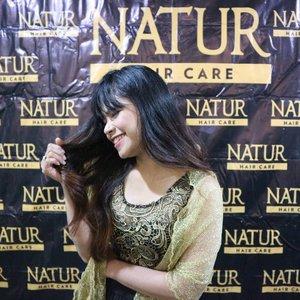 Sering hairstyle rambut bikin ada aja masalahnya ke rambut kalo gak dirawat dengan benar.Hairgoal aku tahun baru ini pengen banget cantik, indah dan sehat, ya cuma faktor kegiatan sehari hari bikin rambut gak sehat, cobain NATUR @backtonatur deh, banyak rangkaian perawatan rambut produk dari Natur#clozetteid #clouds #AlamiLebihBaik #BebasKetombe #PilihYangAlami #NaturXISB #ootd #looklikeaprincess #princess #lfl #fashionblogger  #instafashion #beautiful #ootdindo #ootdmagazine #bloggerstyle